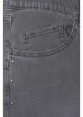 Lässige Jeans mit Ziernieten /