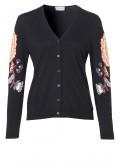 Feminine Strickjacke mit floralen Details /