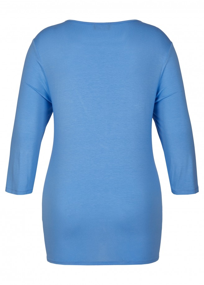 Vielseitiges Shirt mit Ziernieten /