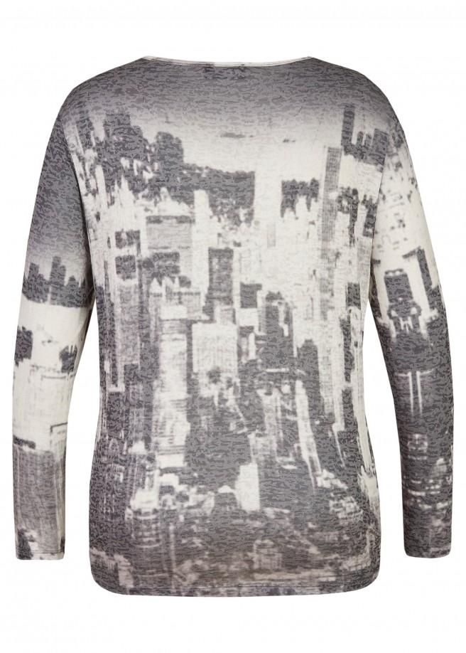 Fröhliches Shirt mit buntem Design /