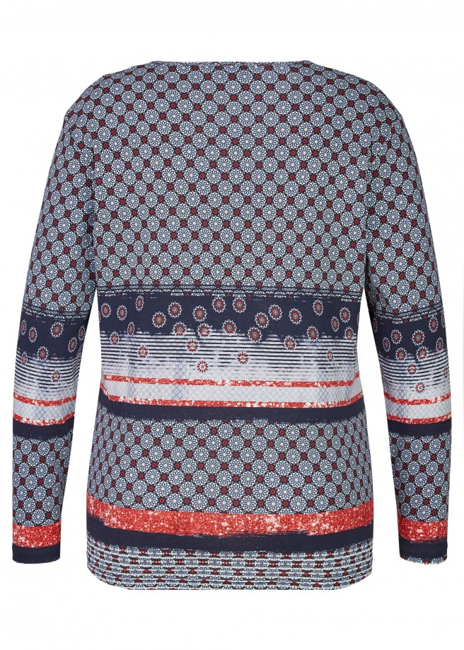 Verspieltes Shirt mit verschiedenen Mustern /